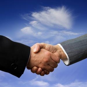 Handshake - (cc) thinkpanama